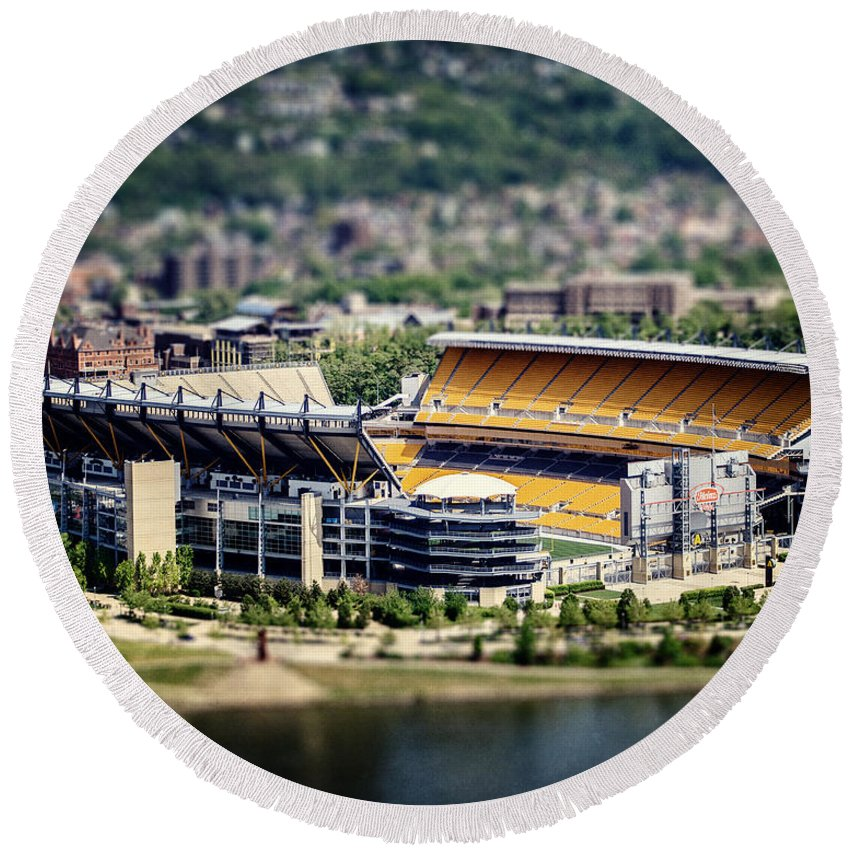 Heinz Field Round Beach Towel featuring the photograph Heinz Field Pittsburgh Steelers by Lisa Russo