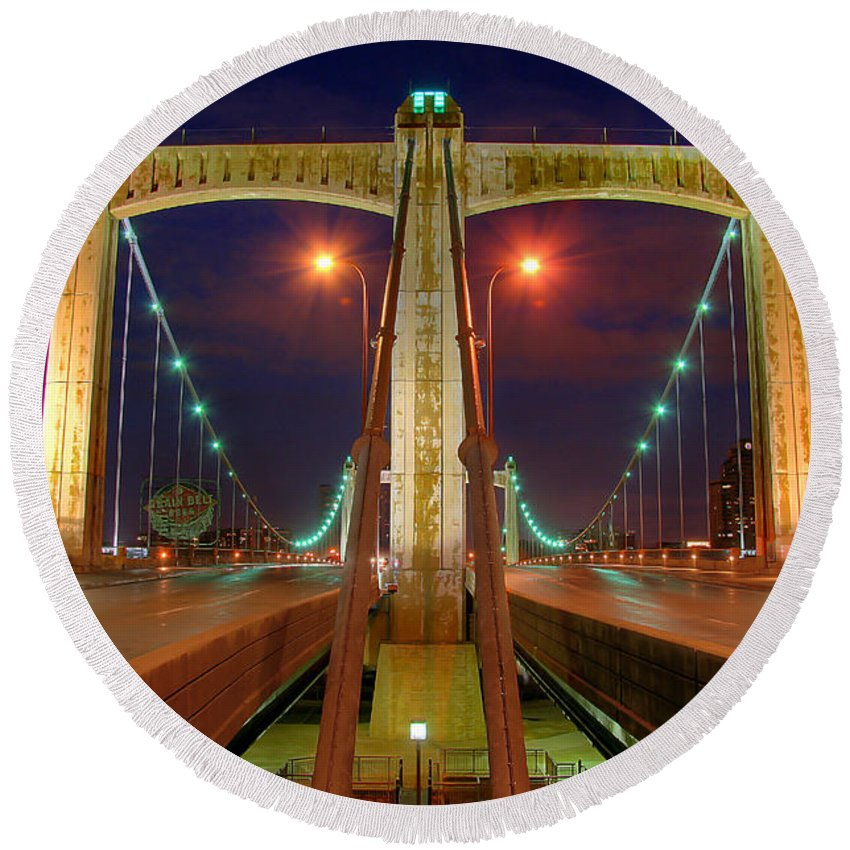 Hennepin Avenue Bridge Minneapolis Round Beach Towel featuring the photograph Hennepin Avenue Bridge Minneapolis by Wayne Moran
