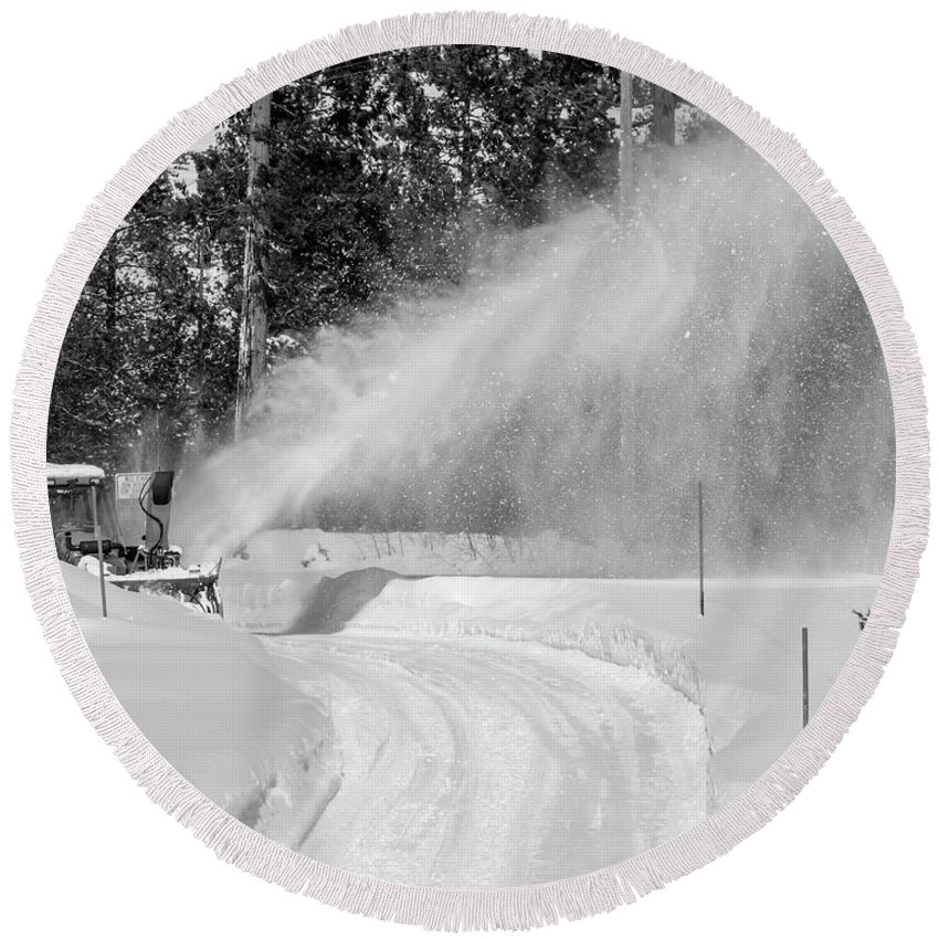 Sierra Nevada Mountains Round Beach Towel featuring the photograph Here Comes That Snowblower Again by Jim Thompson