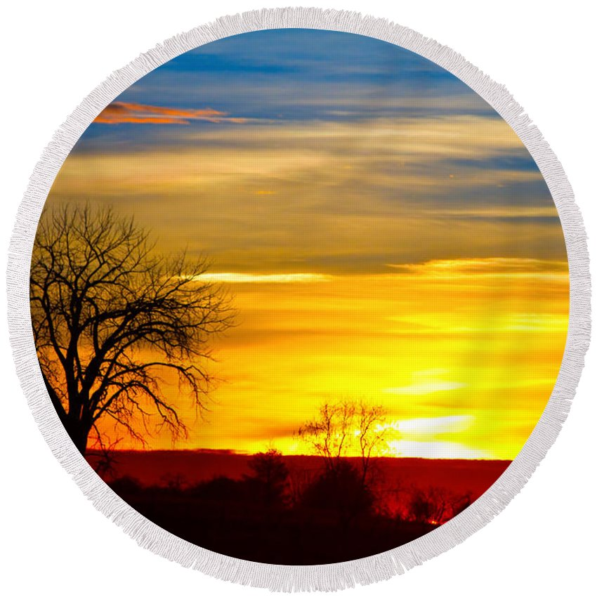 Sunrise Round Beach Towel featuring the photograph Here Comes The Sun by James BO Insogna