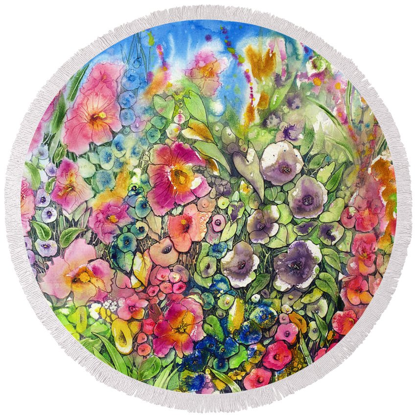 Hibiscus Round Beach Towel featuring the painting Hibiscus And Friends by Shirley Sykes Bracken