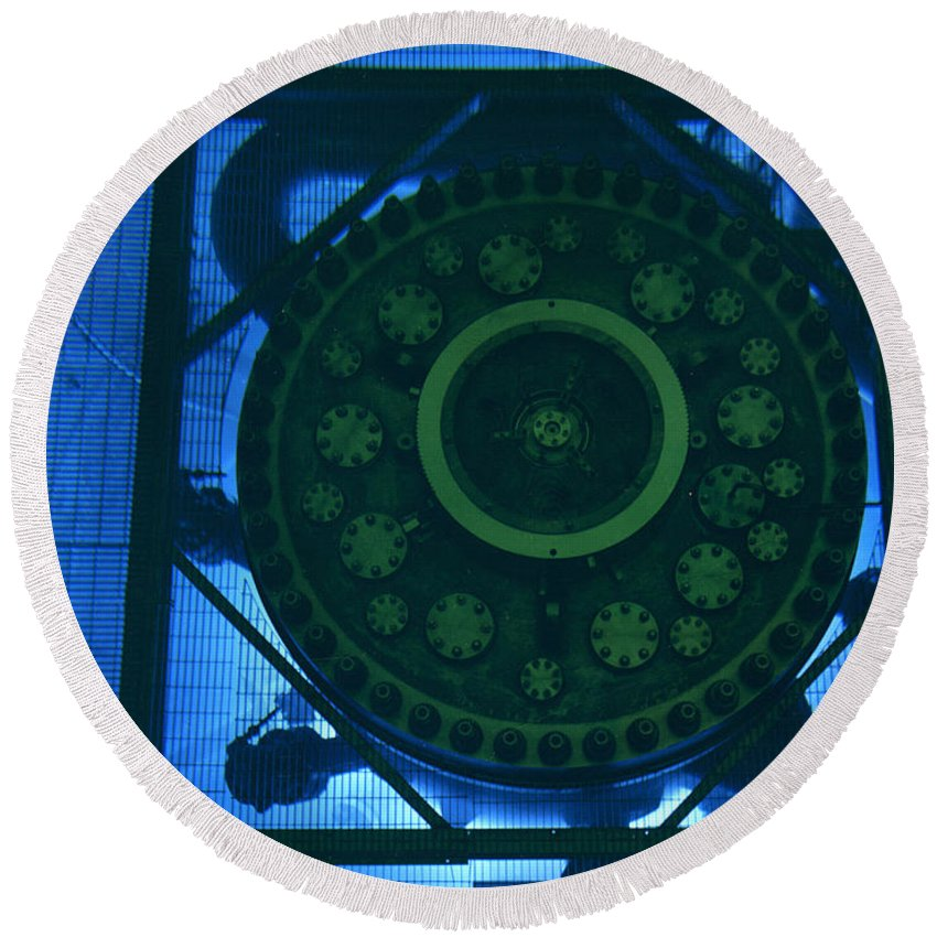 Science Round Beach Towel featuring the photograph High Flux Isotope Reactor Pool by Science Source