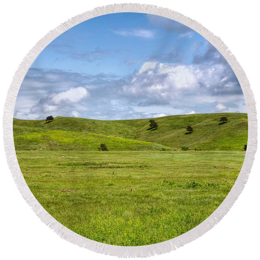 Landscape Round Beach Towel featuring the photograph High Plains Driving by John M Bailey