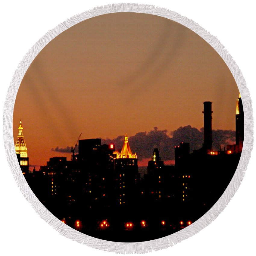 New York Round Beach Towel featuring the photograph Higher And Higher by Kendall Eutemey