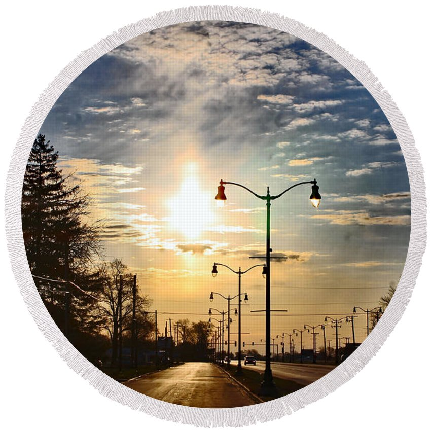 Highway Round Beach Towel featuring the photograph Highway To The Sun by Don Baker