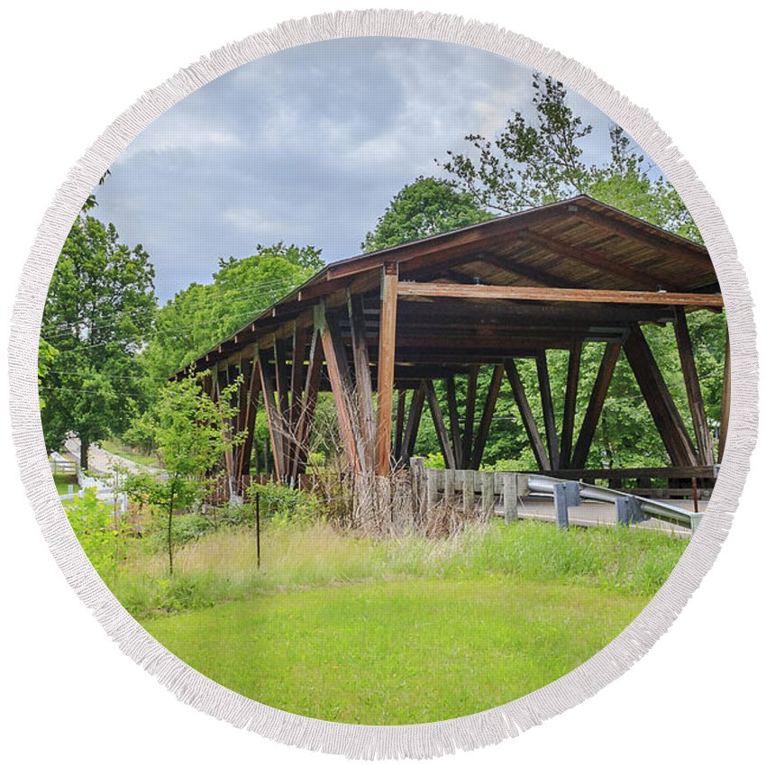 America Round Beach Towel featuring the photograph Hindman Memorial Covered Bridge by Jack R Perry