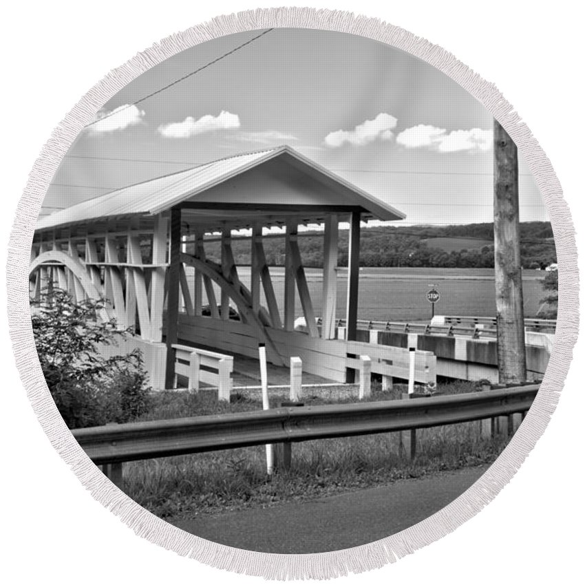 Bowser Coverd Bridge Round Beach Towel featuring the photograph History At The Bend Black And White by Adam Jewell