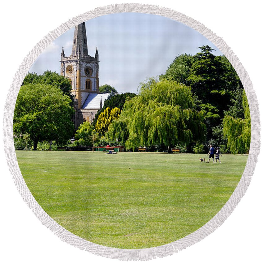 Europe Round Beach Towel featuring the photograph Holy Trinity Church At Stratford Upon Avon by Rod Johnson