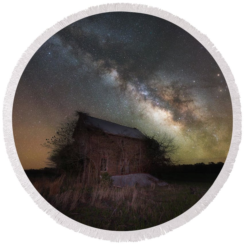 Home Grown Round Beach Towel featuring the photograph Home Grown Milky Way by Michael Ver Sprill
