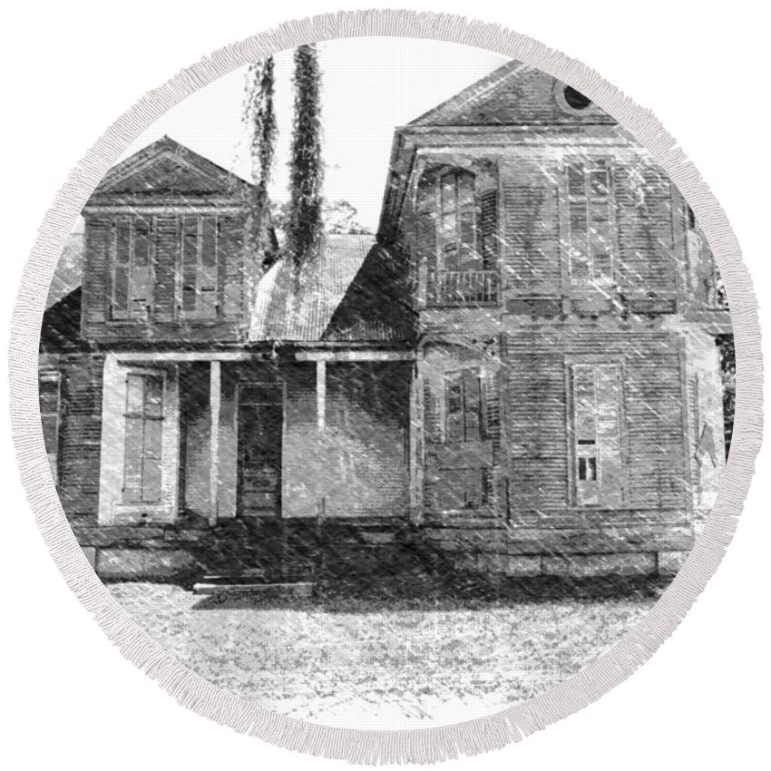 Louisiana Round Beach Towel featuring the photograph Homestead 2 by Dick Goodman