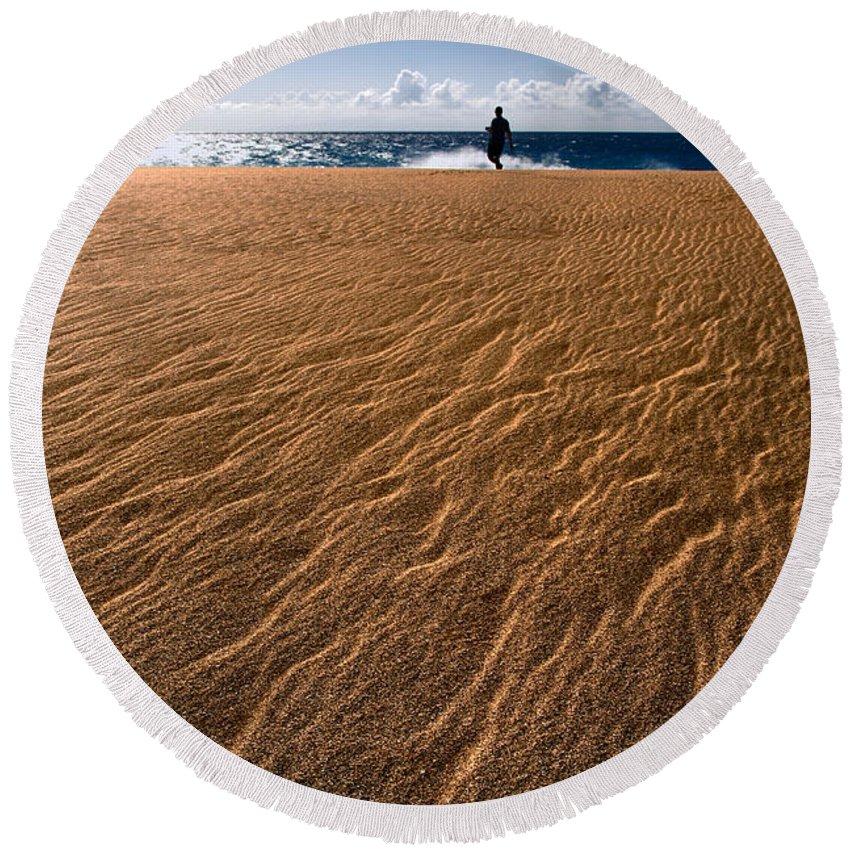 Coastals Round Beach Towel featuring the photograph Ho'okahi - A Stroll Along A Beach by Nature Photographer