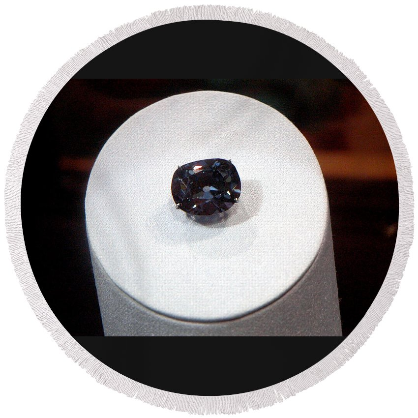 Usa Round Beach Towel featuring the photograph Hope Diamond 45.52 Carats by LeeAnn McLaneGoetz McLaneGoetzStudioLLCcom