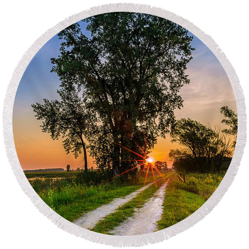 Central Wisconsin Round Beach Towel featuring the photograph Horicon Trails by Andrew Slater