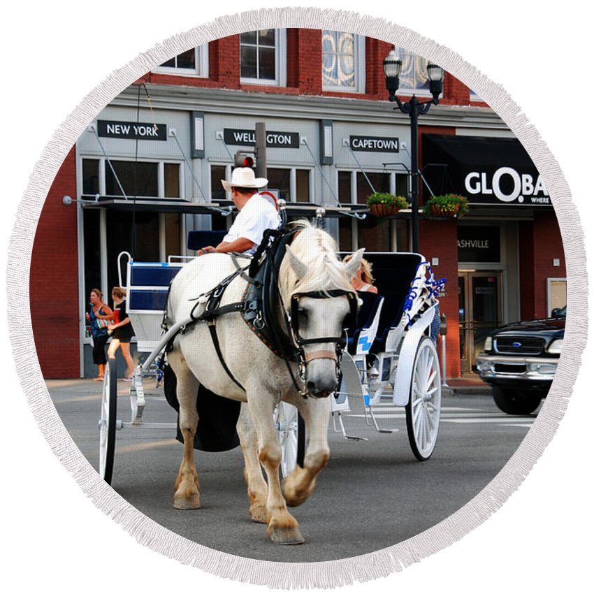 Nashville Round Beach Towel featuring the photograph Horse Carriage In Nashville by Susanne Van Hulst
