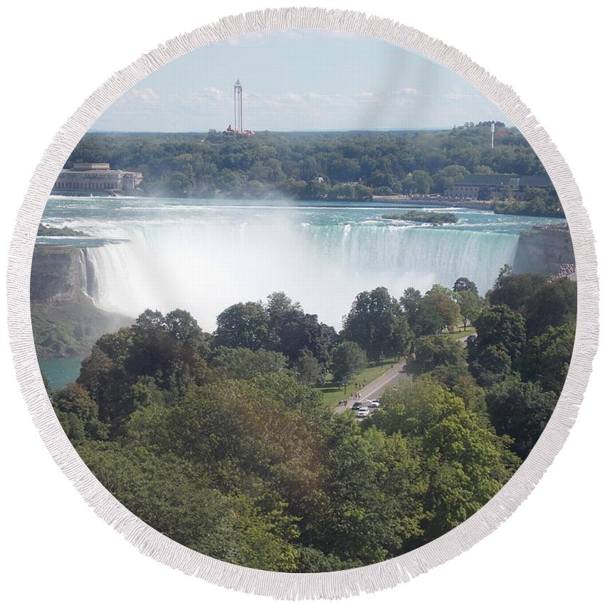 Horseshoe Round Beach Towel featuring the photograph Horse Shoe Falls 1 by Nina Kindred