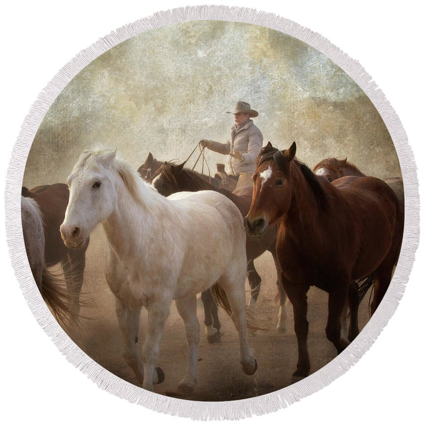 Horses Round Beach Towel featuring the photograph Horses-04 by Susan Kordish