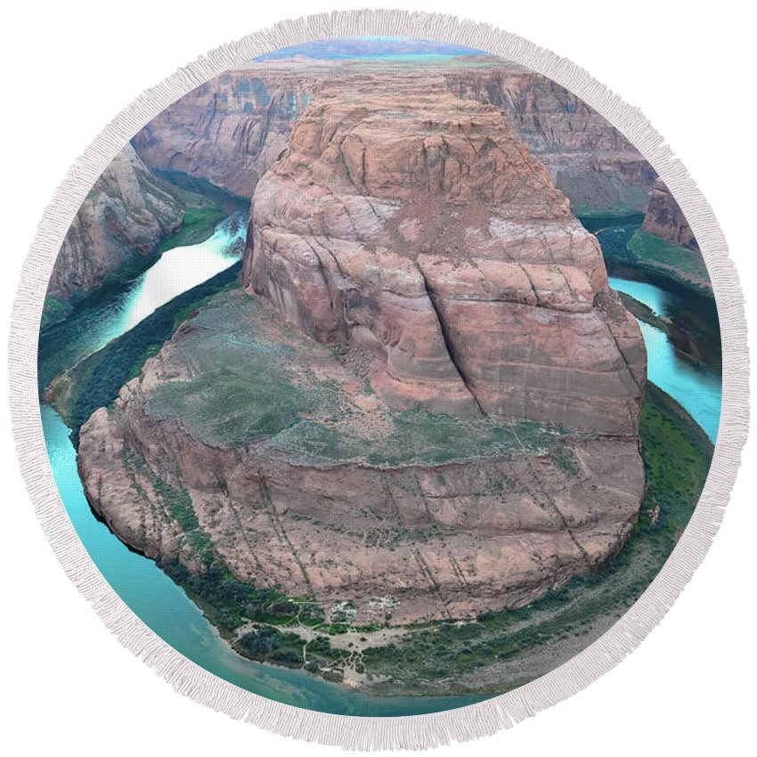 Horseshoe. Bend Round Beach Towel featuring the photograph Horseshoe Bend by Tyler Wiggins