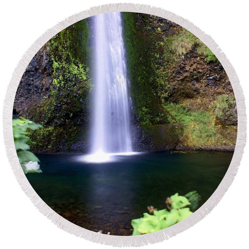 Waterfalls Round Beach Towel featuring the photograph Horsetail Falls by Marty Koch
