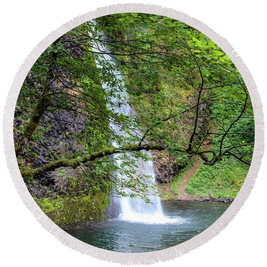 Waterfall Round Beach Towel featuring the photograph Horsetail Falls, Oregon by Aashish Vaidya