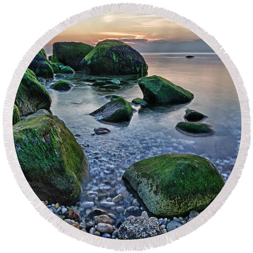 Sunset Round Beach Towel featuring the photograph Horton Point Ny At Sunset by Rick Berk