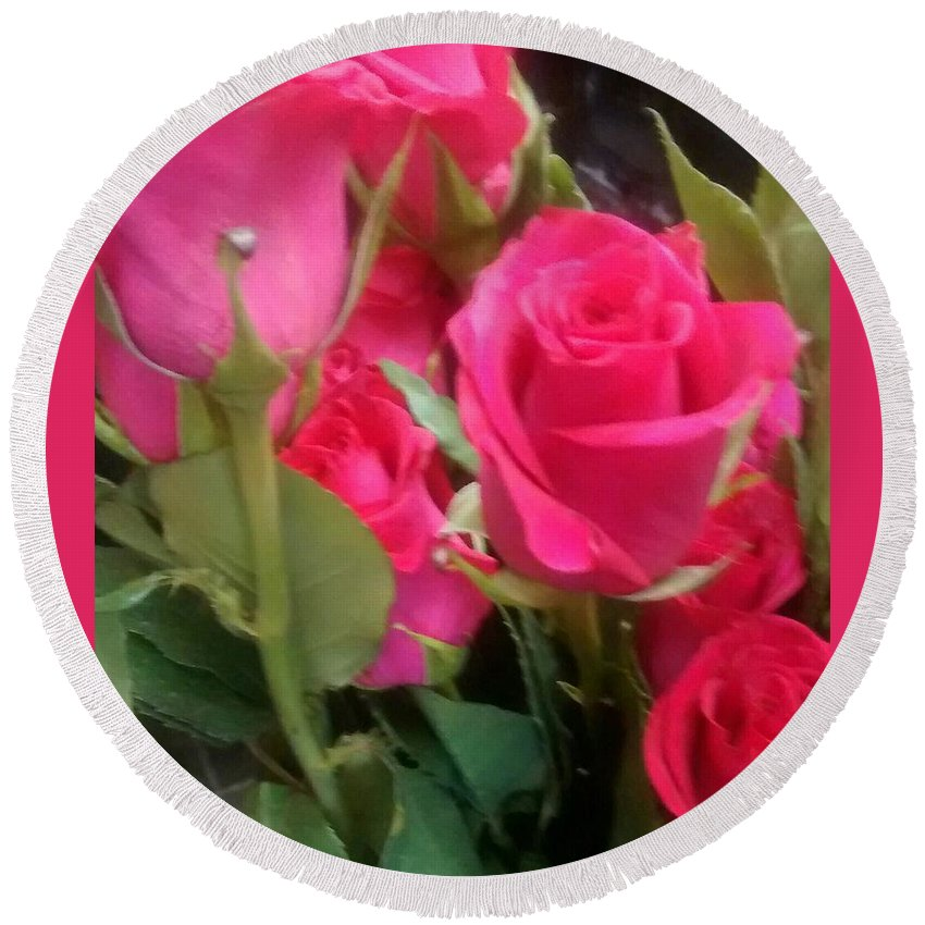Rose Round Beach Towel featuring the photograph Hot Pink Rose by Sylvester Wofford