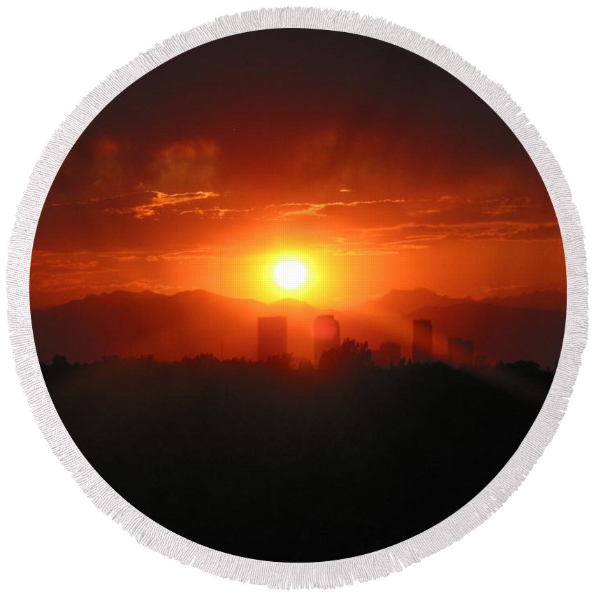 Denver Sunset Round Beach Towel featuring the photograph Hot Summer Night I Denver Co by Jacqueline Russell