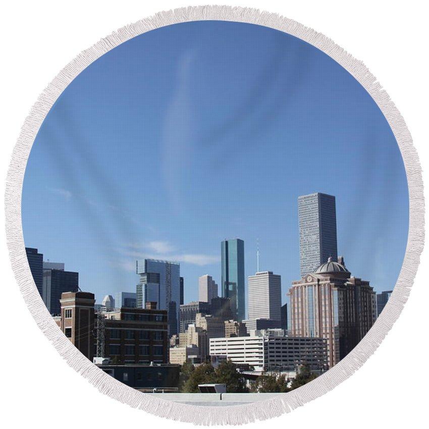 Houston Texas Skyline Round Beach Towel featuring the photograph Houston Texas Skyline by Lori Mahaffey