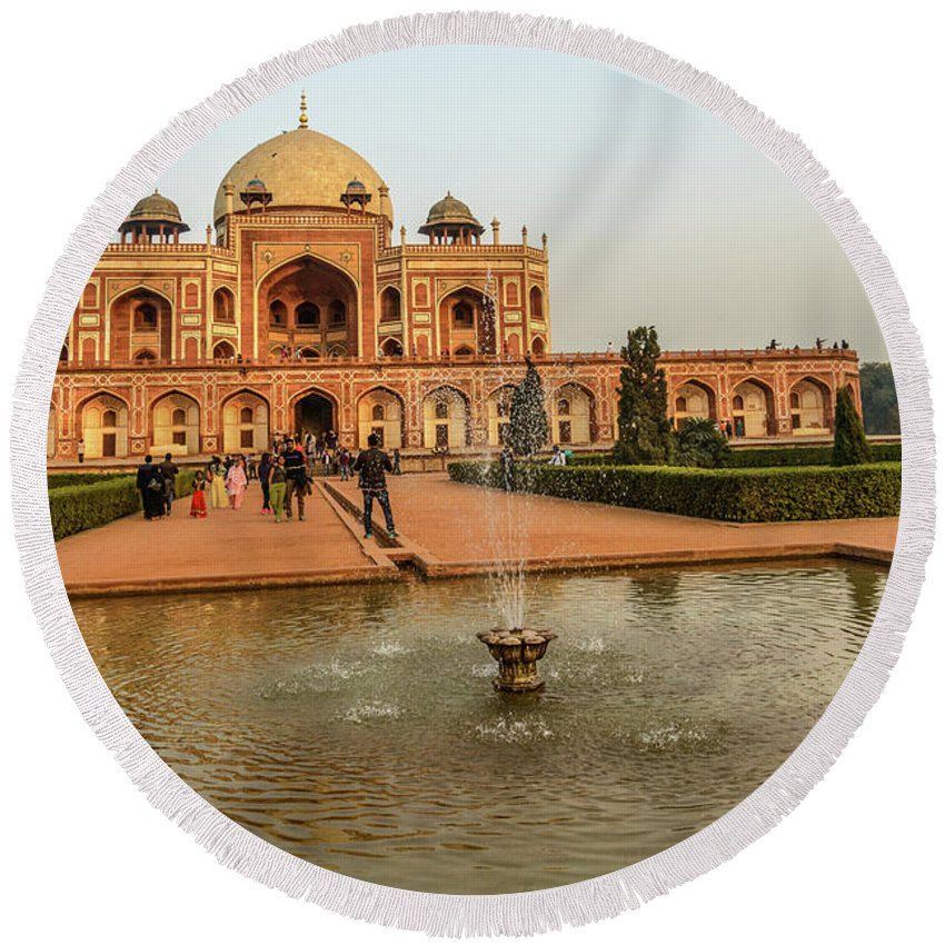 Heritage Round Beach Towel featuring the photograph Humayun's Tomb 01 by Werner Padarin