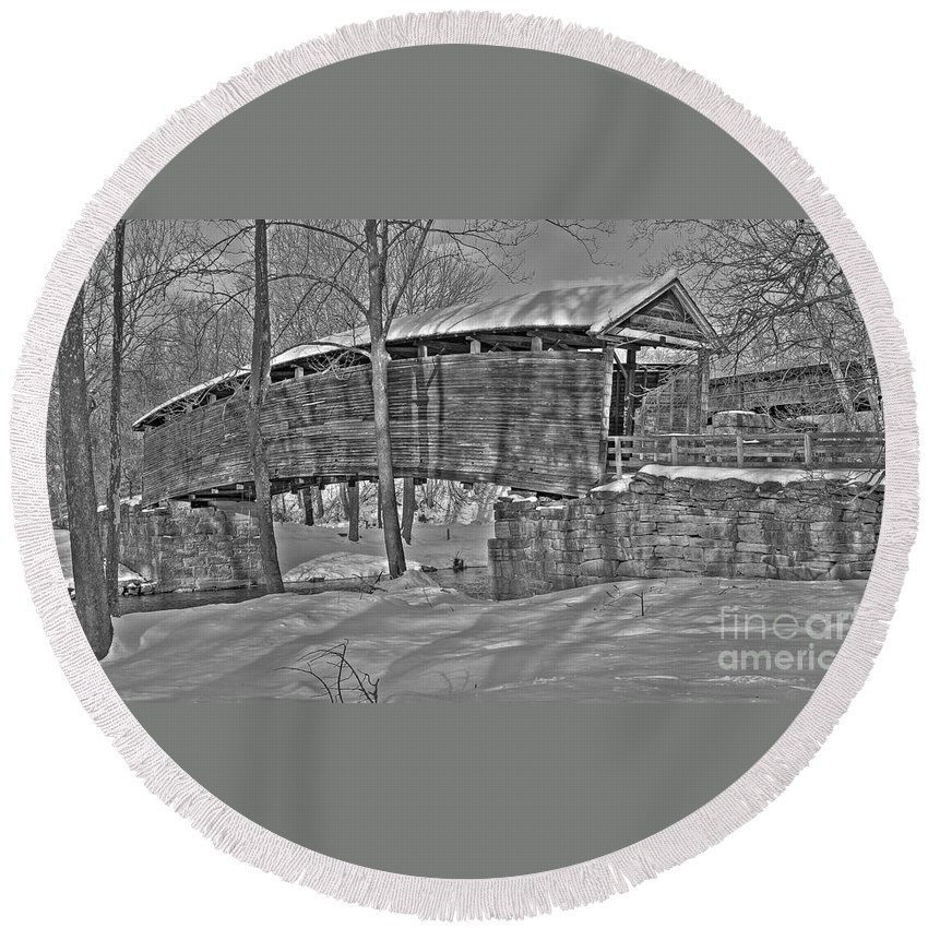 Black And White Round Beach Towel featuring the photograph Humpback Bridge by Todd Hostetter