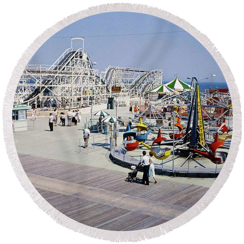 Amusement Round Beach Towel featuring the photograph Hunts Pier On The Wildwood New Jersey Boardwalk, Copyright Aladdin Color Inc. by Retro Views