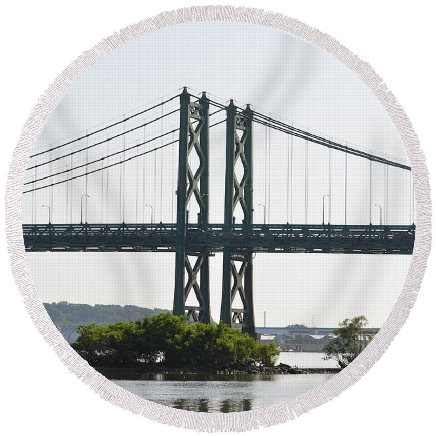 I-74 Bridge Round Beach Towel featuring the photograph I-74 Bridge by Tammy Mutka