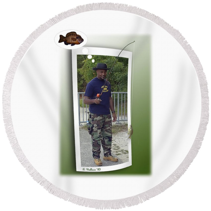 2d Round Beach Towel featuring the photograph I Thought It Was Bigger by Brian Wallace