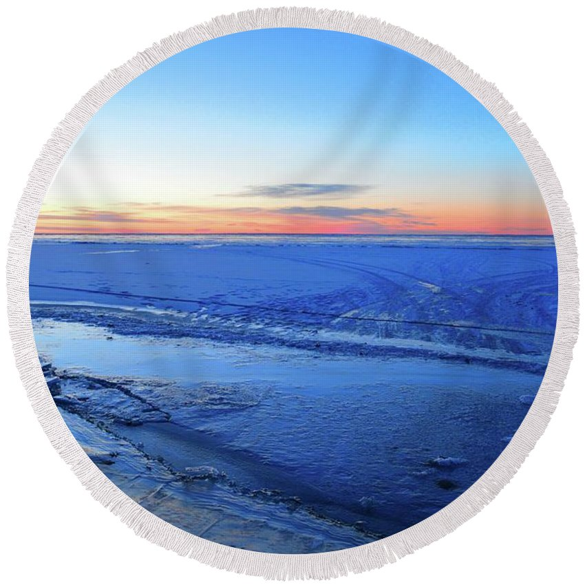 Abstract Round Beach Towel featuring the photograph Ice On The Lake Two by Lyle Crump