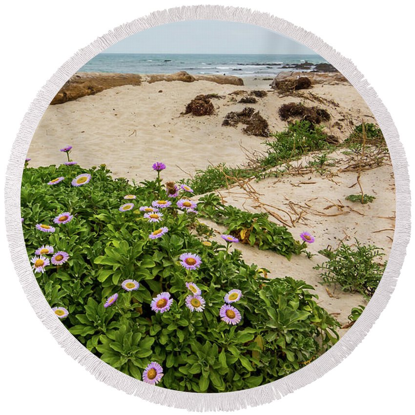 Ice Plant Round Beach Towel featuring the photograph Ice Plant Booms On Pebble Beach by Patti Deters