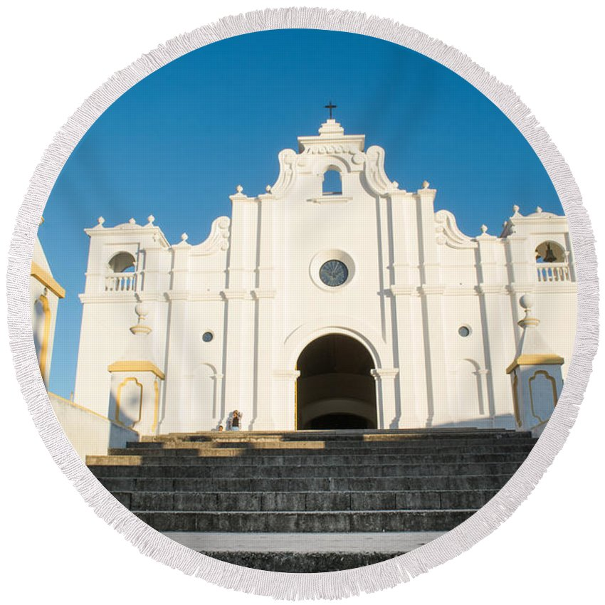 Iglesia San Andres Apostol Round Beach Towel featuring the photograph Iglesia San Andres Apostol - Apaneca 2 by Totto Ponce