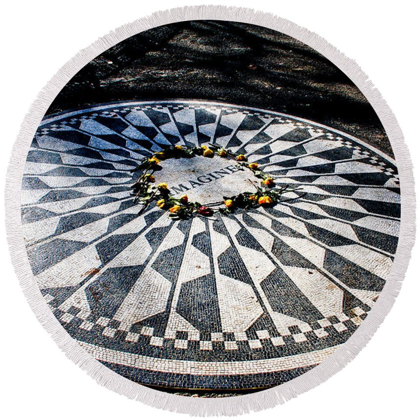 Imagine Round Beach Towel featuring the photograph Imagine by Thomas Marchessault
