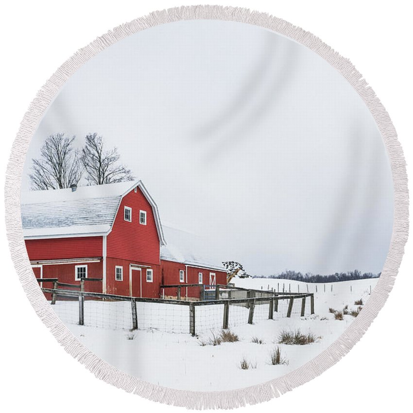 Kremsdorf Round Beach Towel featuring the photograph In A Rural Atmosphere by Evelina Kremsdorf