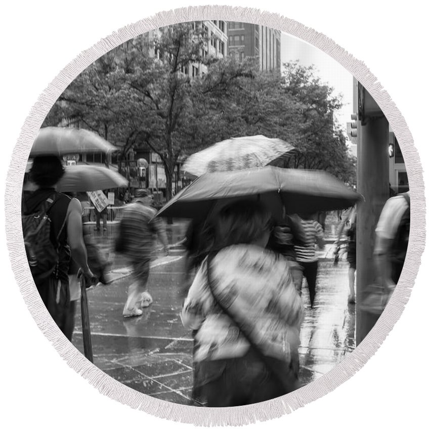 City Round Beach Towel featuring the photograph In The Rain by Jonathan Nguyen