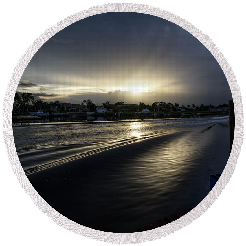 Waves Round Beach Towel featuring the photograph In The Wake Zone by Laura Fasulo