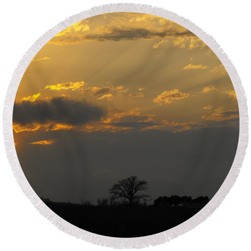 Sunset Round Beach Towel featuring the photograph Indiana Farm Sunset 3 by Ginger Repke