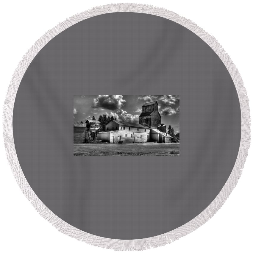 Industrial Landscape In Black And White Round Beach Towel featuring the photograph Industrial Landscape In Black And White 1 by Lee Santa