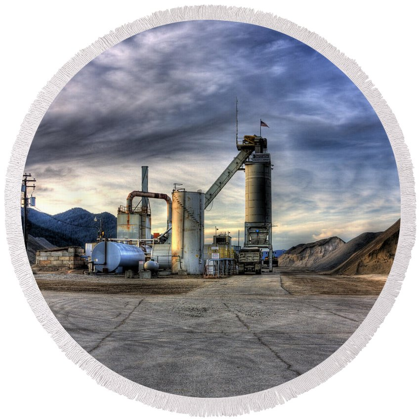 Industrial Landscape Round Beach Towel featuring the photograph Industrial Landscape Study Number 1 by Lee Santa