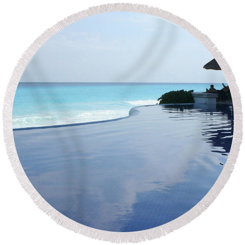 Infinity Round Beach Towel featuring the photograph Infinity Pool by Thomas Marchessault