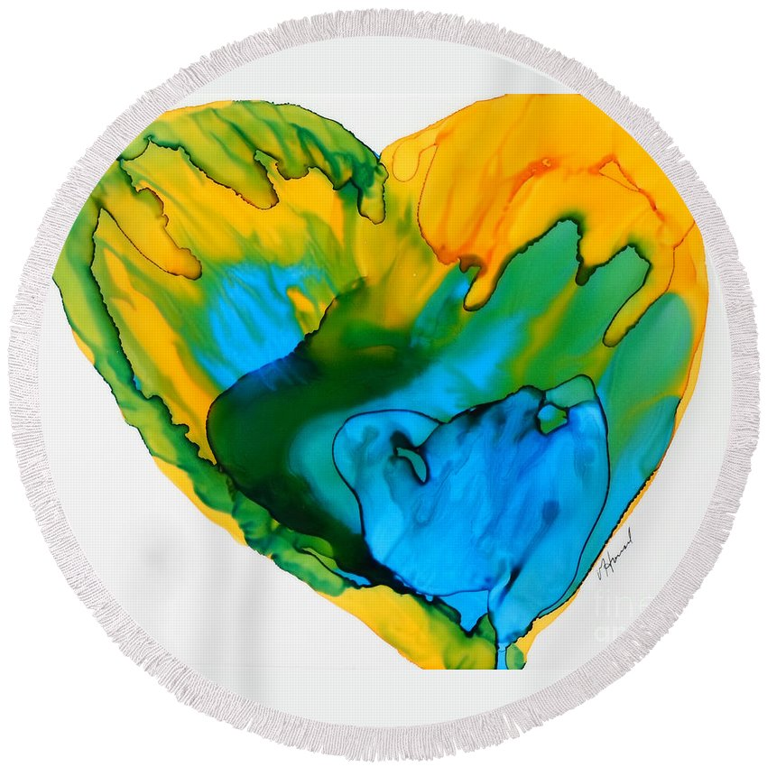 Alcohol Ink Round Beach Towel featuring the painting Inside My Heart 3 by Vicki Housel
