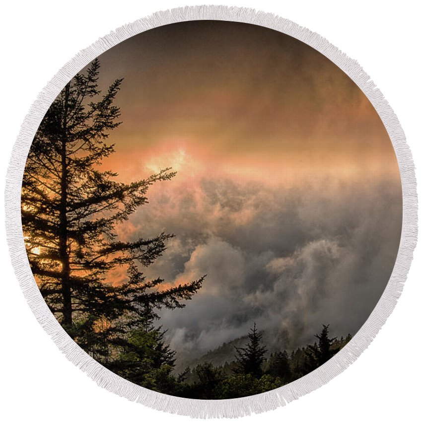 Blue Ridge Parkway Round Beach Towel featuring the photograph Into The Sun by Barbara Hayton