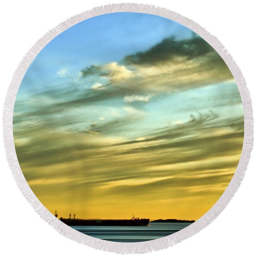 Sunset Round Beach Towel featuring the photograph Into The Sunset by Evelina Kremsdorf