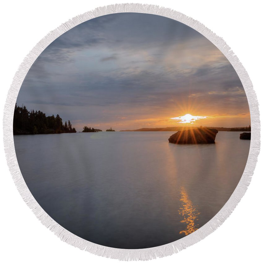 Isle Royale Round Beach Towel featuring the photograph Isle Royale Bell Isle Sunrise by Shane Mossman