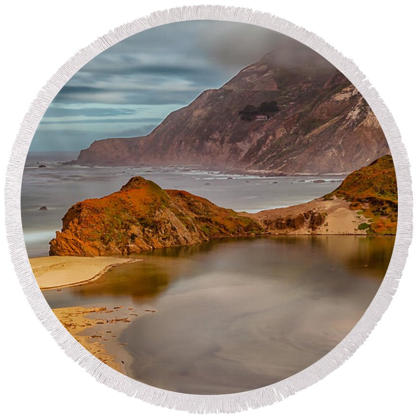 Landscape Round Beach Towel featuring the photograph Isolated Cove by Jonathan Nguyen