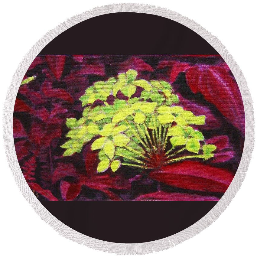 Foliage Round Beach Towel featuring the painting Ixora - Jungle Flame by Usha Shantharam