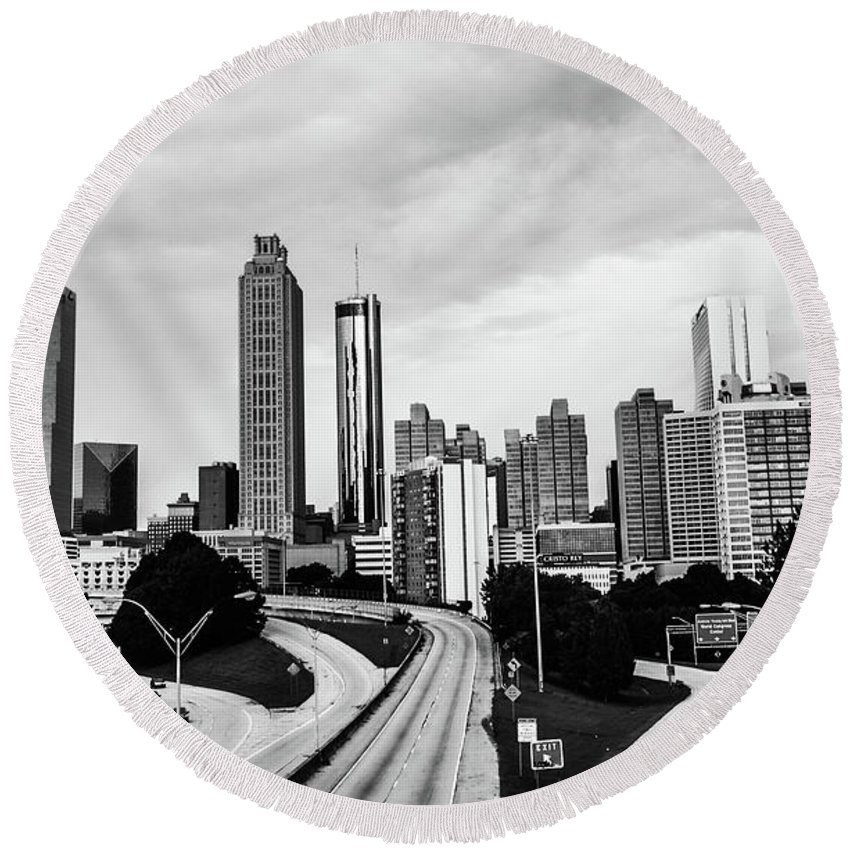 Atlanta Round Beach Towel featuring the photograph Atl by Kennard Reeves